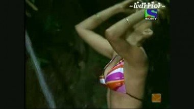 Gorgeous Indian Woman In Solo Scene
