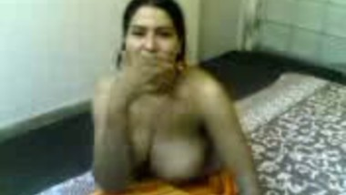 Aunty takes it all off