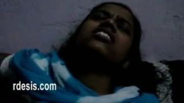 Desi indian hot and sex lovers fucking nicely on bed