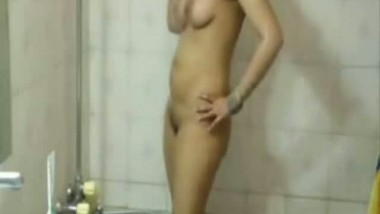Hairy amateur Indian gal