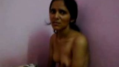 Young Mumbai office secretary fucked outdoors in car