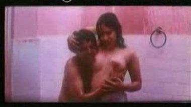 Bollywood B Grade actress outdoor hot bath