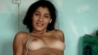 Neighbor sexy Bangla auntie's outdoor sex clip