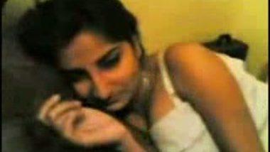 Nice booty bhabhi's erotic sex tease