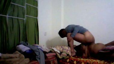 Hot Mallu Bedroom Scene inTuntari Telugu Hot Movie