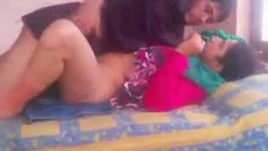 Indian outdoor sex scandal clip of local student with lover in garden