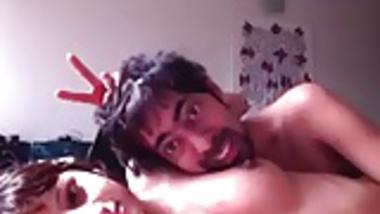 Hot Desi Naukrani Get Seduced Hot Mms Video