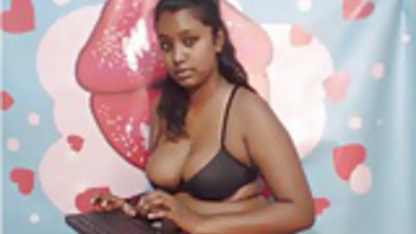 Indian Girl Cock Sucked In Jungle