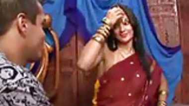 Actress boobs popping out from bra – bollywood