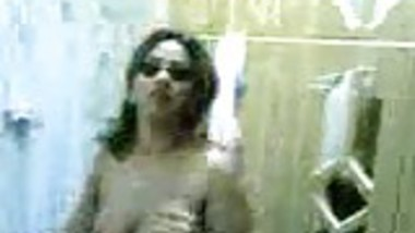 Indian Wife Wants Her Pussy To Get Wet