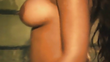 Big boobs Delhi girl will make you cum with her seduction!