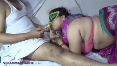 See Indian secretary bj to her boss