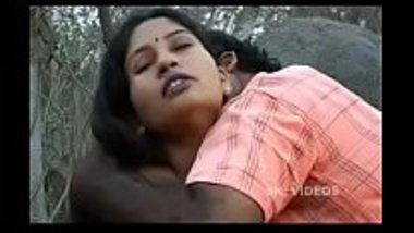 Girl having mangal in jungle www.hotcutiecam