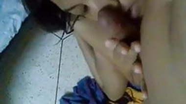 Indian horny gilfriend fucking with lover and recorded says muje Dard Ho Raha Hai Pillow Rakho