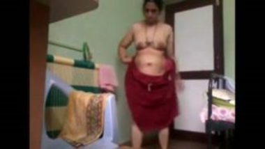 Indian slim bhabhi's home sex with her devar