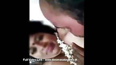 Hot Raipur aunty blowjob video
